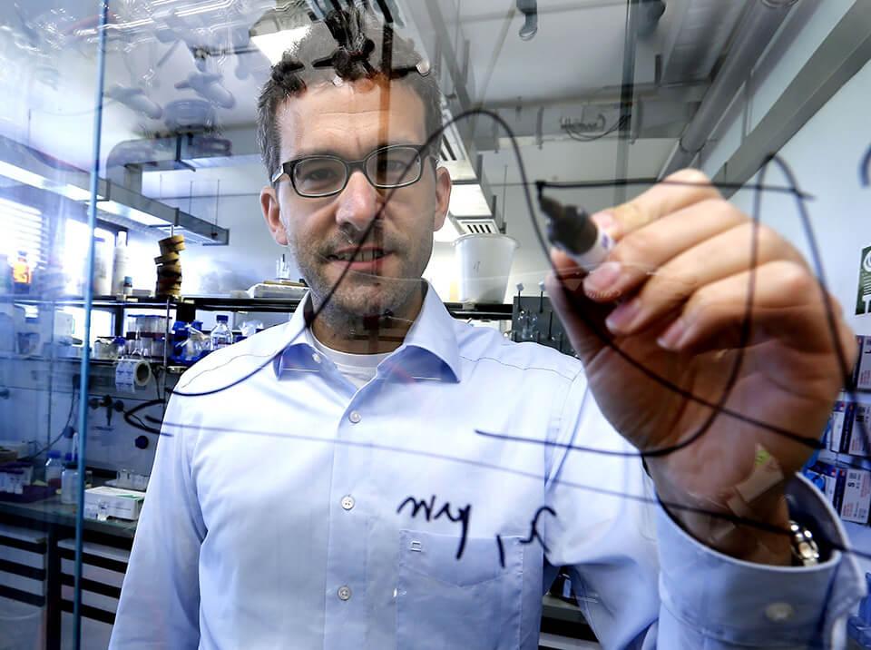 Prof. Dr. Markus Retsch forscht an der Universität Bayreuth