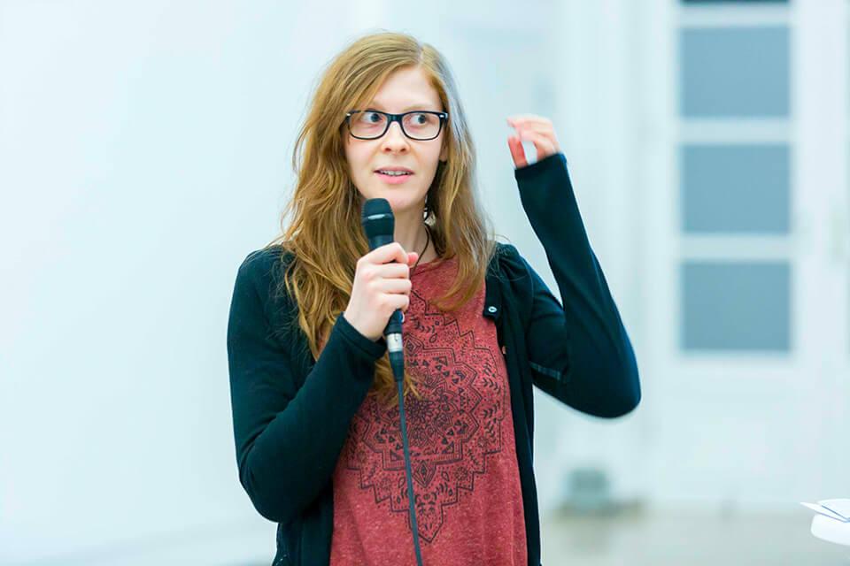 Daniela Leitner bei der bdw-Diskussionsrunde im Naturkundemuseum Stuttgart zum Thema: Welche Zukunft wollen wir?