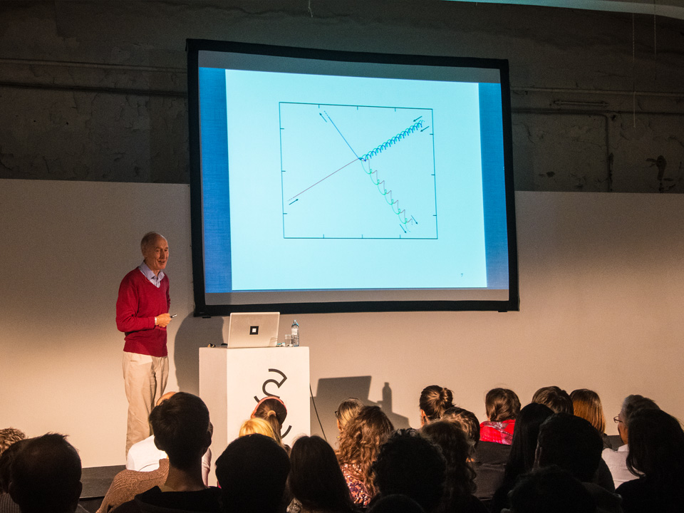 State Experience Science Festival Berlin 2014 / Vortrag Julian Barbour / Three-Body Problem / © Daniela Leitner